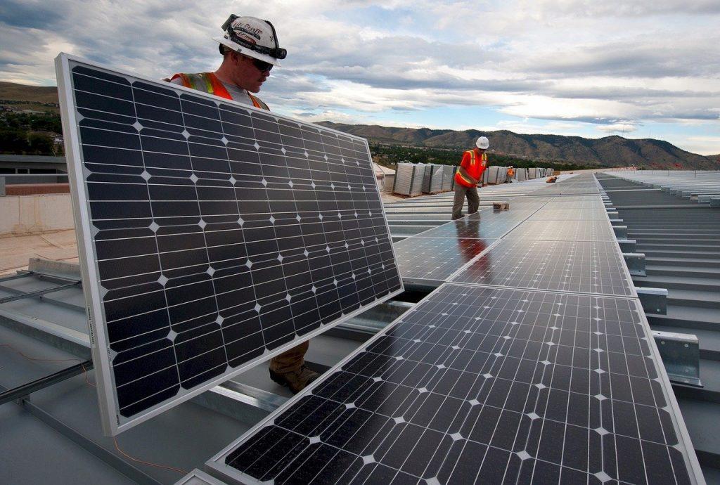 Solar Panels Installation Workers  - skeeze / Pixabay